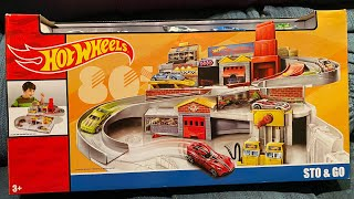 Hot Wheels Sto & Go play set !!!