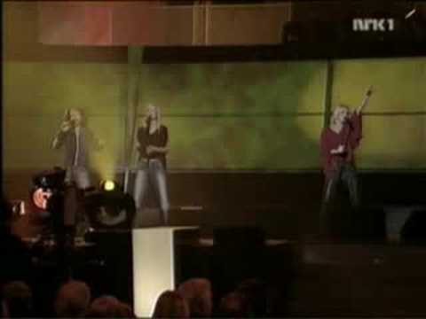 Robyn - Don't stop the music (live Idrettsgallaen Norway)