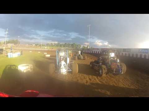 Badger Midgets 5/29/16 Heat Race 3