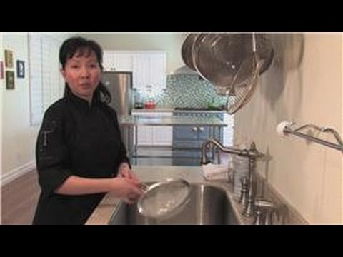 Cookware Cleaning : How to Clean a Flour Sifter