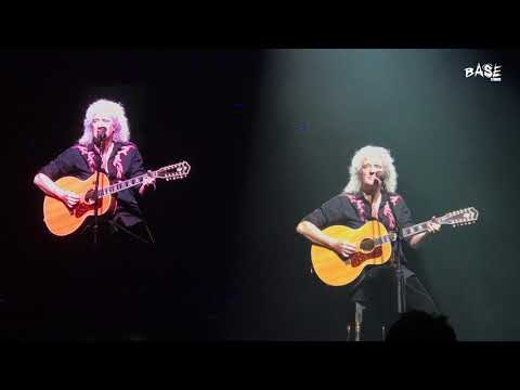 Queen- Brian May With Freddie Mercury Video- Love Of My Life - LIVE Birmingham HQ Footage