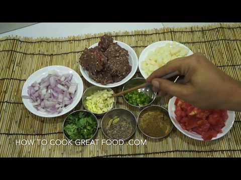 Aloo Keema Recipe - Indian Minced Beef & Potatoes