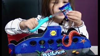 Stikeez Unboxing New Lidl Free Toys.