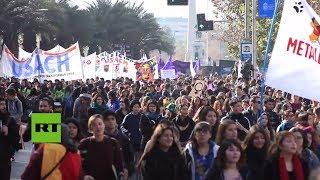 15.000 feministas marchan por Santiago de Chile