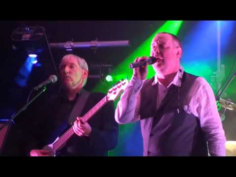 Mama Genesis Tribute Band : I Dont Care Anymore (Kinross 26th September 2015)