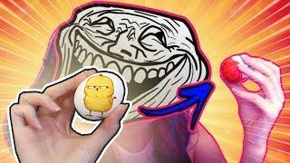 Coloquei um ovo cru dentro de um Kinder ovo e dei para o Nenho - Casal de Nerd