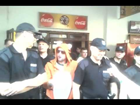 Irish fans singing Polish police women, we love you in the Euro 2012 in HD