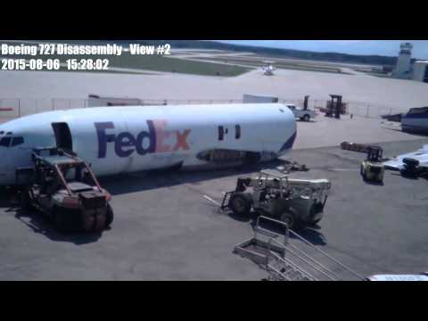Disassembly of Boeing 727 N180FE at Purdue Airport
