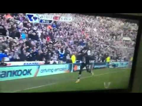 Demba Ba and Papiss Cisse celebrating a goal