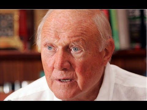 CPS: Stuart Hall 'an opportunistic predator'