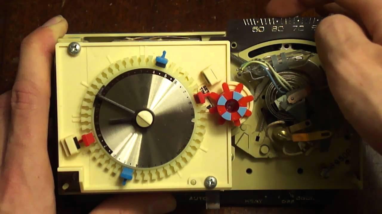 honeywell chronotherm t8082 12v 30v w single mercury switch thermostat youtube [ 1280 x 720 Pixel ]
