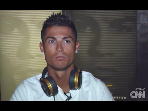 Ronaldo se marcha de entrevista con Oppenheimer