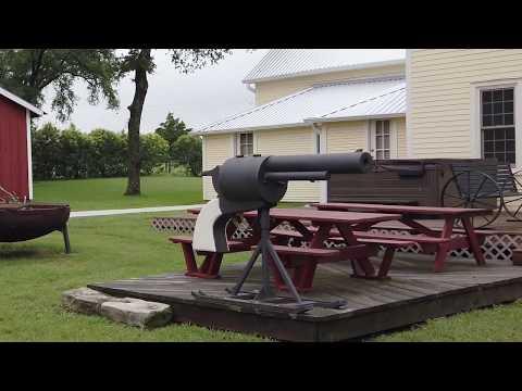 Restored Family Ranch Home (Schulenburg, TX)