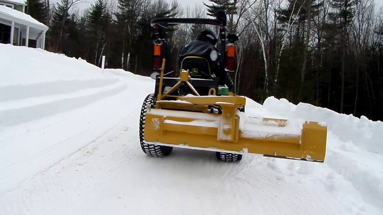 Moving Snowbanks With A John Deere 2032r Snowblower