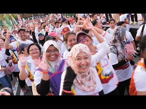 10,000 participants come together for #AnakAnakMalaysia Walk