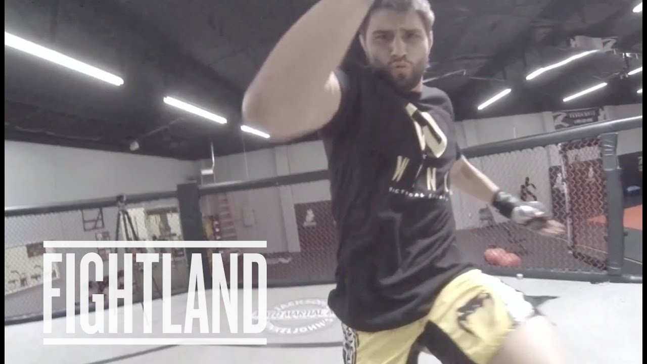 The Flying Double Knee With Carlos Condit: Fight School