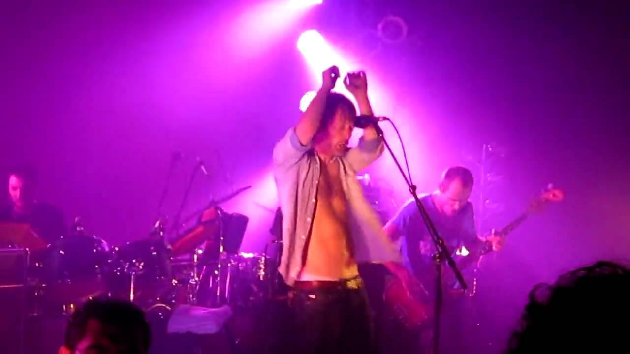 Thom Yorke Paperbag Writer Radiohead B Side Live At The Echoplex