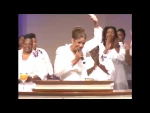 Dr. Dorinda Clark Cole Preaching and Praise Break At GCT COGIC!