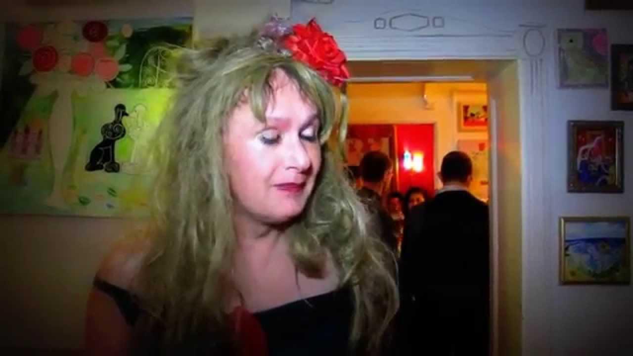 Drag Queen Travestie Show In Berlin Neukolln Youtube