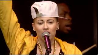 Stooshe - Waterfalls (T in the Park 2012)