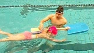 小豪教練游泳教學天地-小學員自由式換氣教學