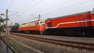 7201次貨物列車通過大林鎮中興路地下道