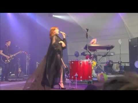 Florence And The Machine Live At Bonnaroo 2011 - Howl