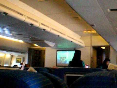 Saudi Arabian Airlines(Air Atlanta Icelandic) B747-400(TF-AMS) Drink Service