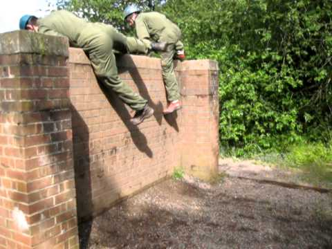 can-the-girls-get-over-the-wall?-army-training-may-2011