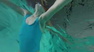 Aimeetje op zwemles in Kuurne