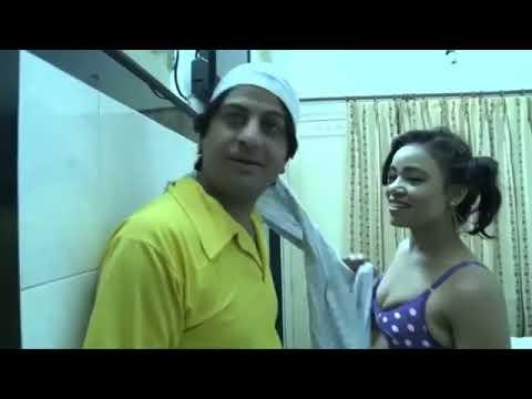 Bathroom Mai Nahati Huyi Bhabhi K sath Masti thumbnail