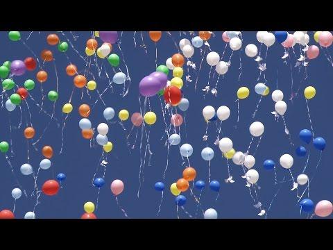 Дошкольники выпустили в небо 800 воздушных шаров