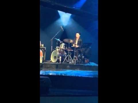 Milka Covered Sunday Morning / Maroon 5, di Klab Jazz TVRI, 3 April 2016