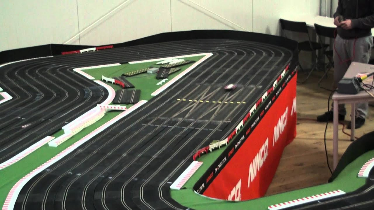 oXigen digital system bridges the gap between analog and digital racing.Designed, developed, supported by , the reference company for Slot Car Racing, oXigen turns quickly digital racing into reality without loosing compatibility with traditional analog racing on the same track.