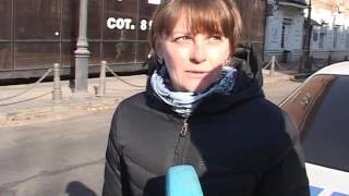 Девушка-водитель пребывает в шоке от ДТП в районе Покровского парка