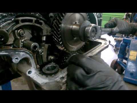 Nissan Navara D40 balance shaft locking how to - YouTube