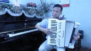 Cát Bụi-Trịnh Công Sơn-Độc tấu Accordeon Xuân Trung.