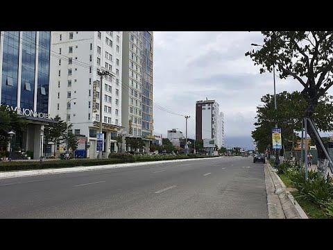 الحياة لحظة والموت أيضا لولا حسن الحظ.. شاهد نجاة رضيعة سقطت من الطابق 12 لمبنى في فيتنام…  - نشر قبل 4 ساعة