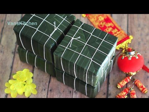 Bánh chưng (Vietnamese Tết square sticky rice cake)