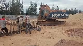# Shorts Máy xúc đào Komatsu khổng lồ đổ bê tông Đà Kiềng