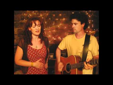 Sean Lakeman & Kathryn Roberts - 20 Million Things - Lowell George Cover - Songs From The Shed