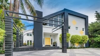 Video Modern and Spacious Waterfront Home in Miami Beach, Florida download MP3, 3GP, MP4, WEBM, AVI, FLV Maret 2018