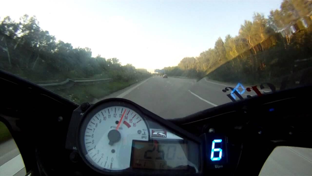 Suzuki GSX-R 750 K1 on the Autobahn - YouTube