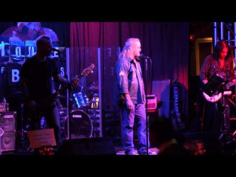 Stan Morrill Singing Imagine in Los Vegas at the house of blues