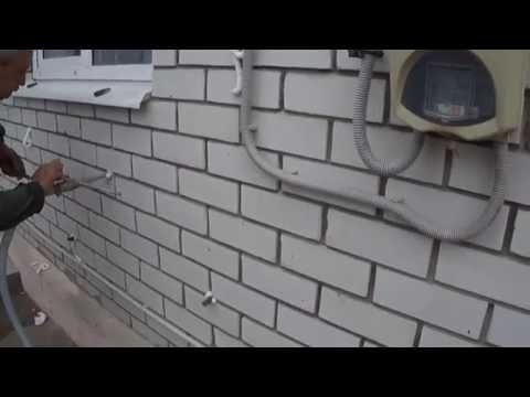 Утепление зазора внутри стен фасада в доме.  Закачка утеплителя в пустоты стен. Дышащий монолит.