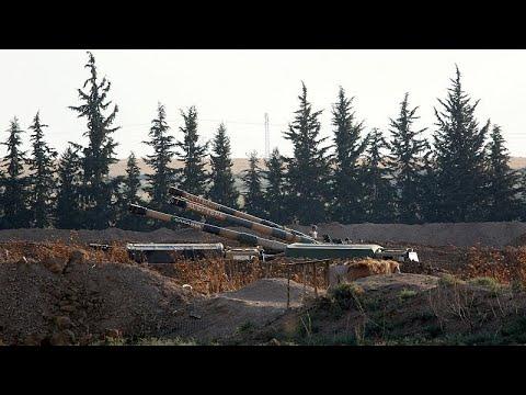 شاهد: مدافع -الهاوتزر- التركية تقصف أهدافاً لوحدات كردية شمال سوريا…  - نشر قبل 2 ساعة
