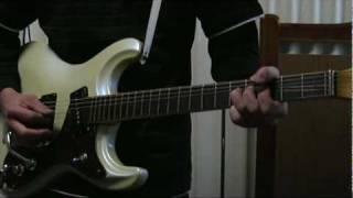 ベンチャーズで1番好きな曲です。弾くたびに小指がつりそうになります・...