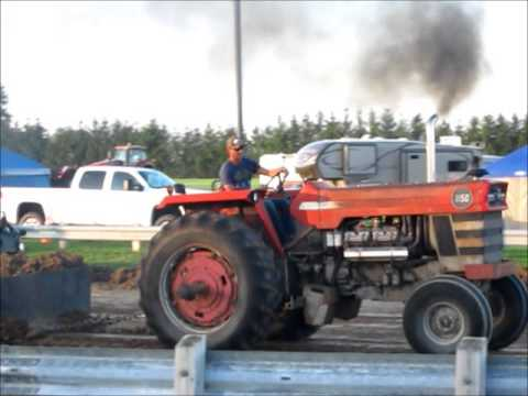 Massey Ferguson 1150 out of the field tractor pull
