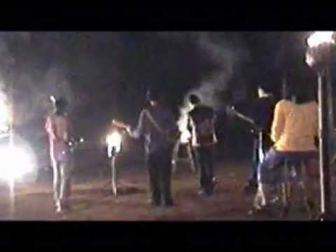 2000 Cigarettes - Rinduku Sahabat Official Music Video.DAT