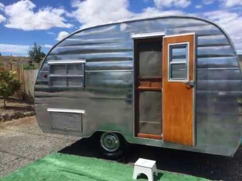 1954 Shasta 1400 14 Canned Ham Vintage Travel Trailer